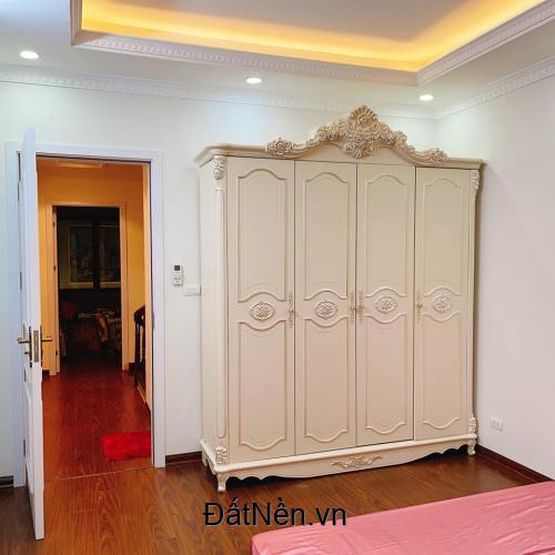 Bán nhà Quận Long Biên,Phố Nguyễn Sơn, 43m2, 5 tầng, nở hậu nhẹ.