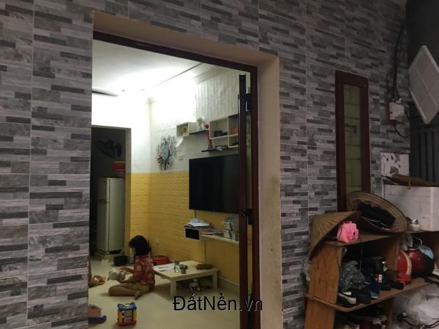 Chính chủ cần bán nhà trong ngõ Lê Trọng Tấn , thông ra Định Công , S=120 m2.