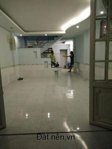 Kẹt tiền bán gấp căn nhà, cách MT đường Lê Văn Lương 200m